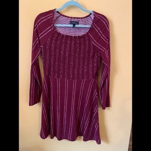 Stretchy maroon peasant style long sleeve dress